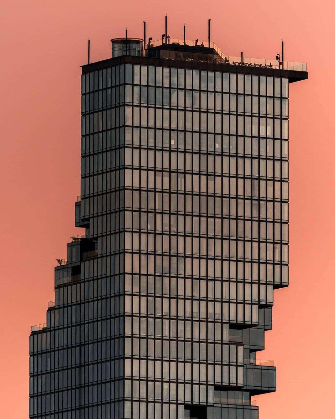 Het King Power MahaNakhon gebouw in Bangkok