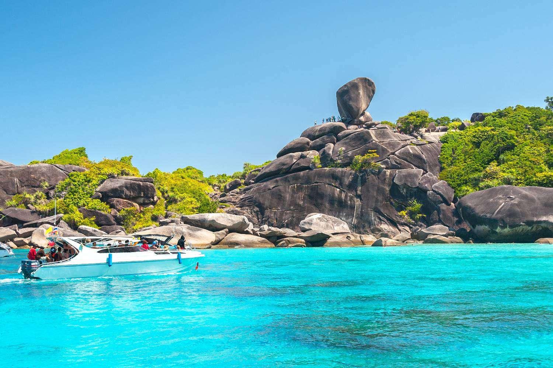 Koh Similan, viewpoint (Sailing Rock) with rock