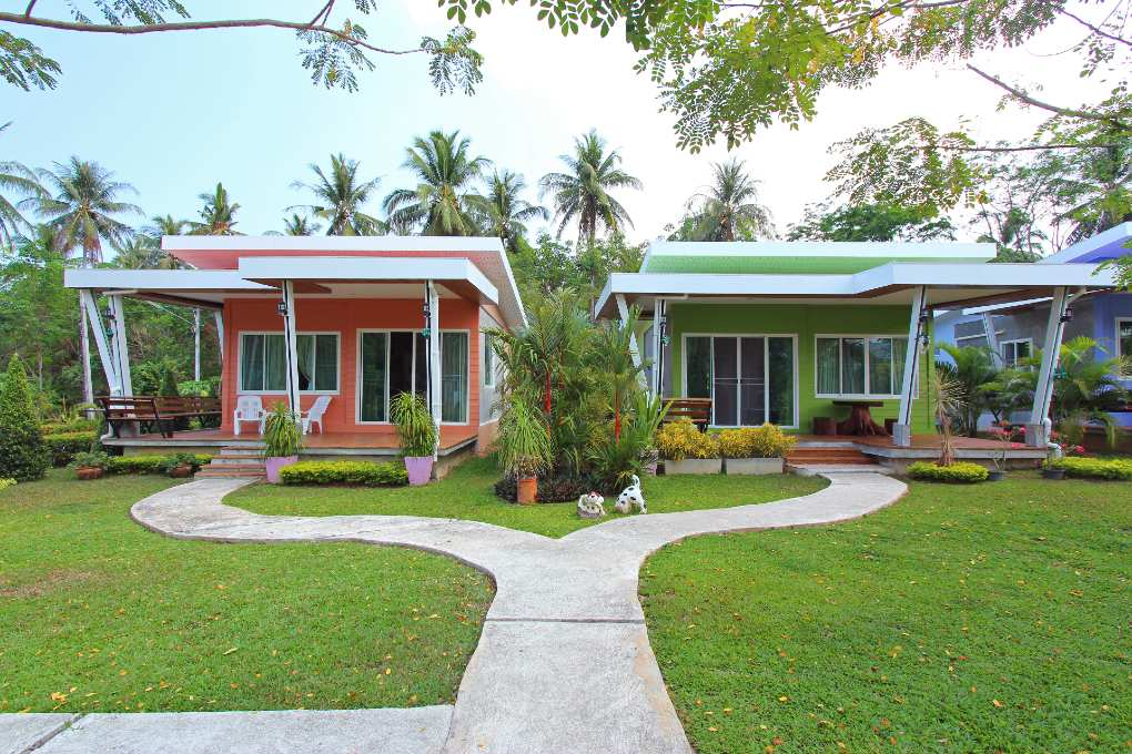 De bungalows van Maikhao Home Garden Bungalow in Mai Khao, Phuket