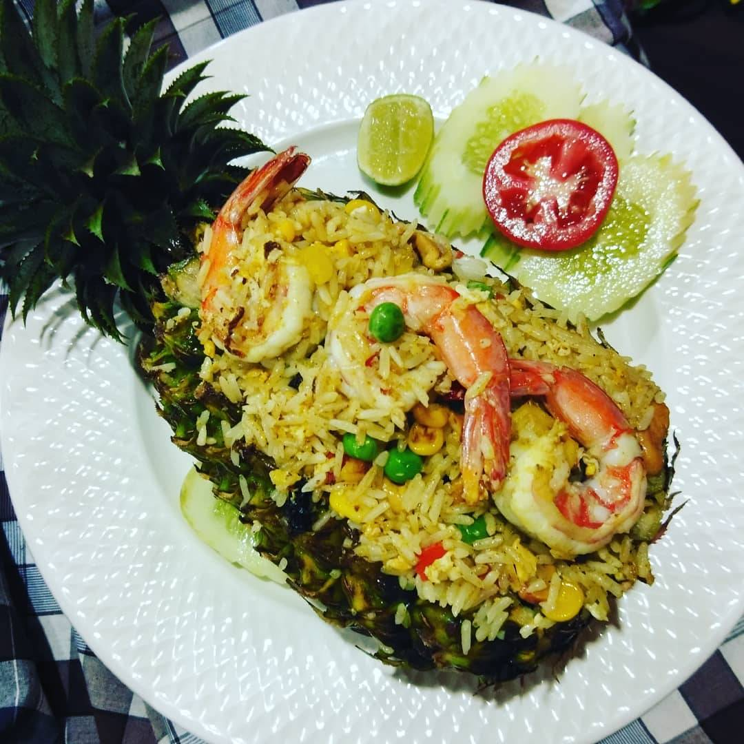 Pineapple fried rice bij Noonit's Kitchen in Mai Khao, Phuket