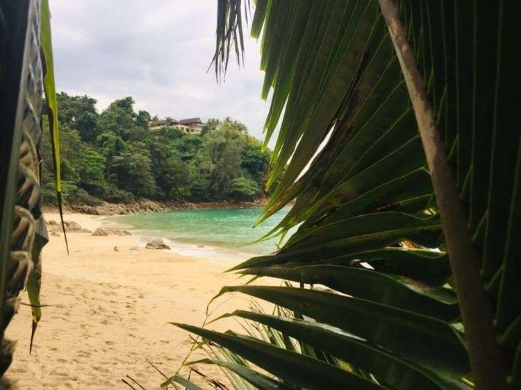 Banana Beach in het noorden van Phuket, Thailand