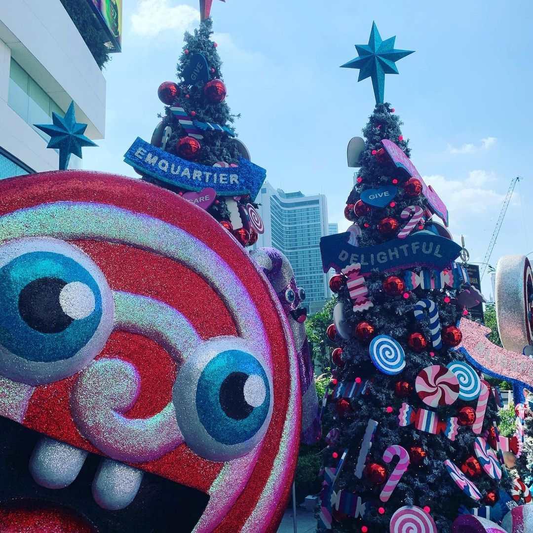 Kerstversiering bij Emporium/EmQuartier in Bangkok tijdens de kerstdagen van 2020