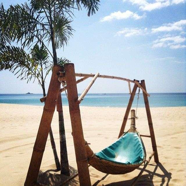 Hangmat op Nai Thon Noi Beach in het noorden van Phuket