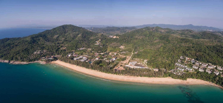 Nai Thon Beach vanuit de lucht gezien