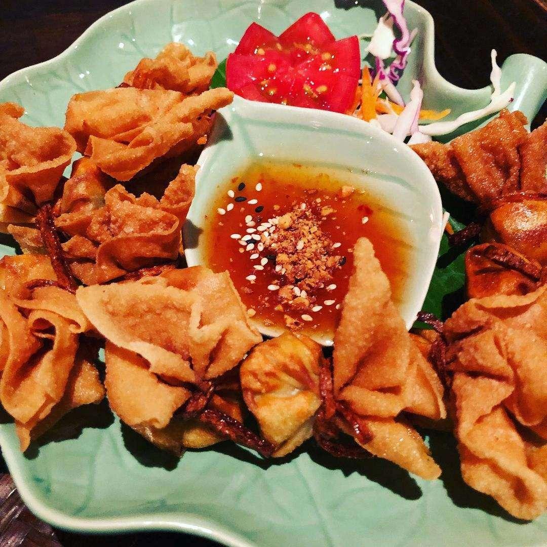 Snacks bij Shameena's Restaurant in de buurt van Nai Thon Beach in het noorden van Phuket