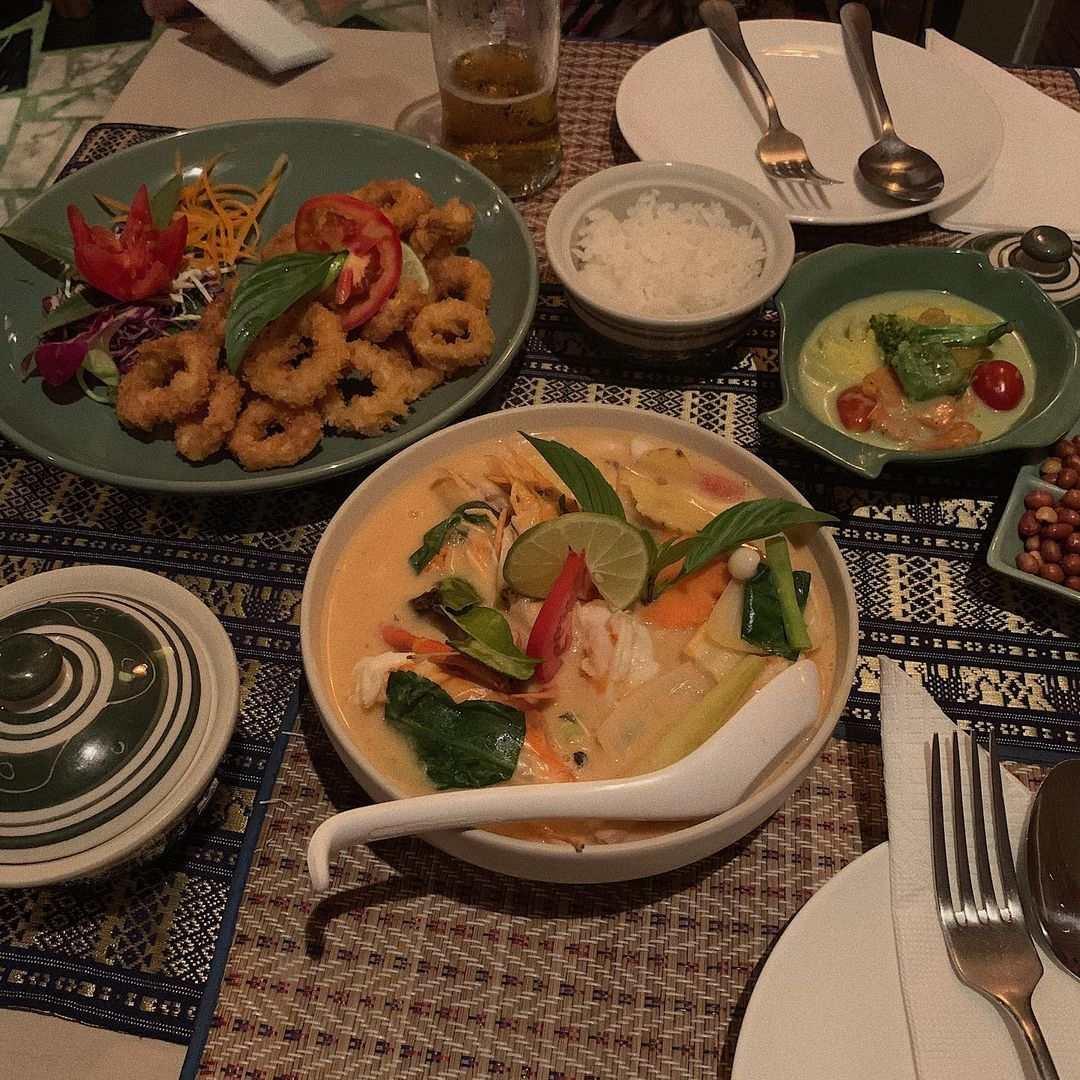 Curry bij Shameena's Restaurant in de buurt van Nai Thon Beach in het noorden van Phuket