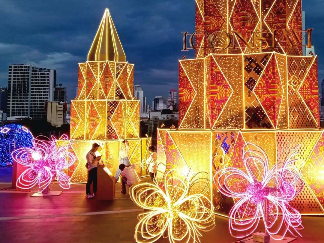 Kerstversiering bij ICONSIAM in Bangkok tijdens de kerstdagen van 2020