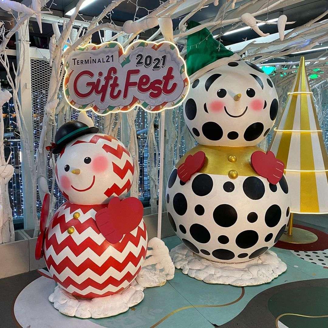 Kerstversiering bij Terminal 21 in Bangkok tijdens de kerstdagen van 2020