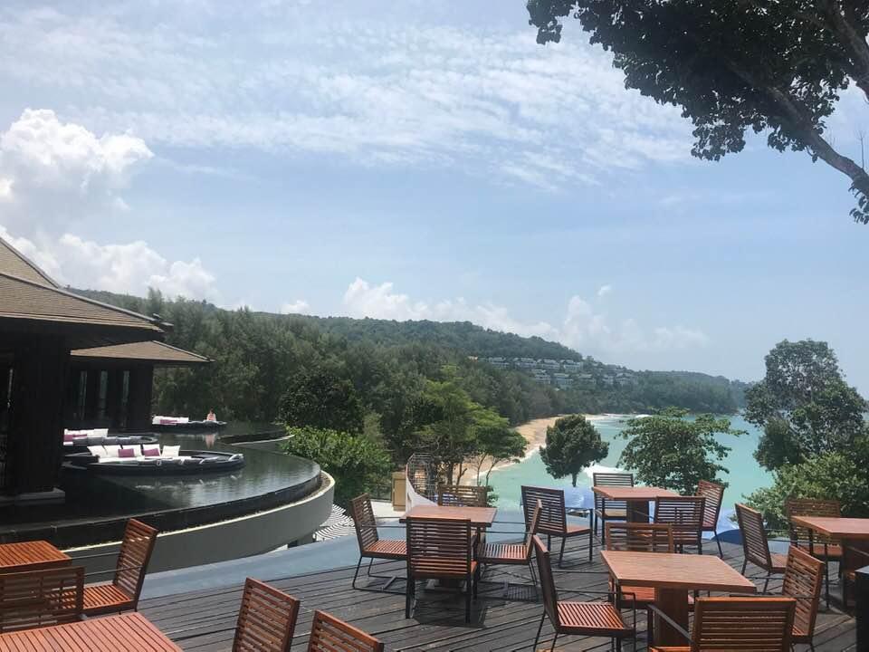 Uitzicht vanaf Vero Trattoria & Wine Bar van de Pullman Phuket Arcadia in Nai Thon Beach