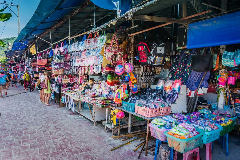 winkeltjes op de boulevard van Koh Larn