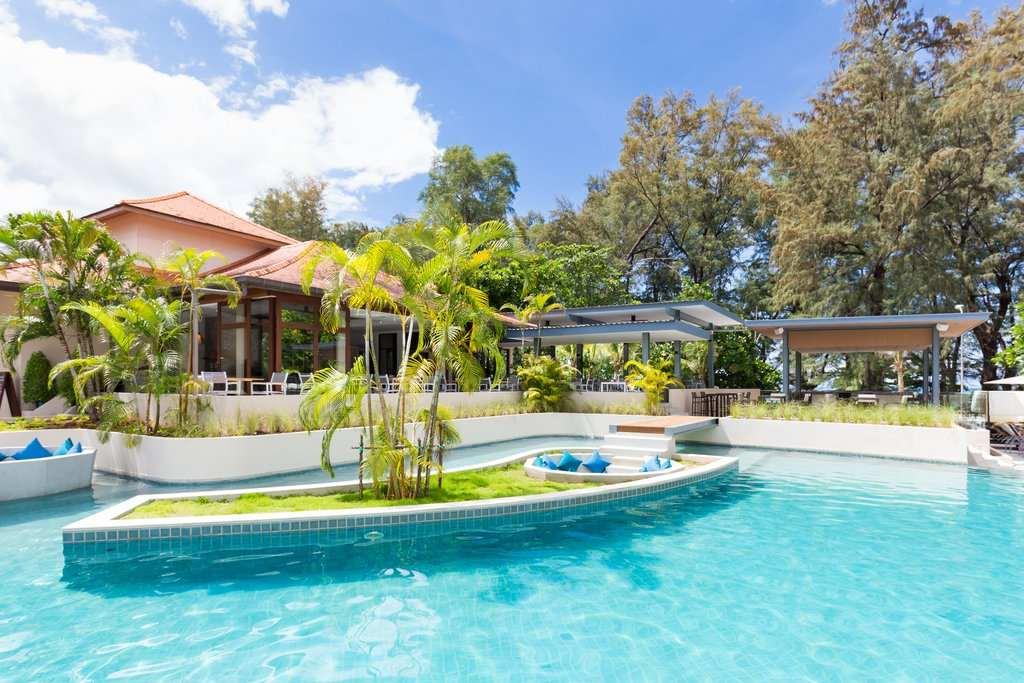 Zwembad van het Dewa Phuket in Nai Yang, Phuket