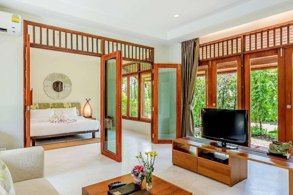 Garden Villa van het L'esprit De Naiyang Beach Resort op Phuket, Thailand