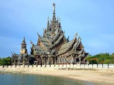 Houten Tempel, Sanctuary Of Truth Pattaya Van Een Afstand