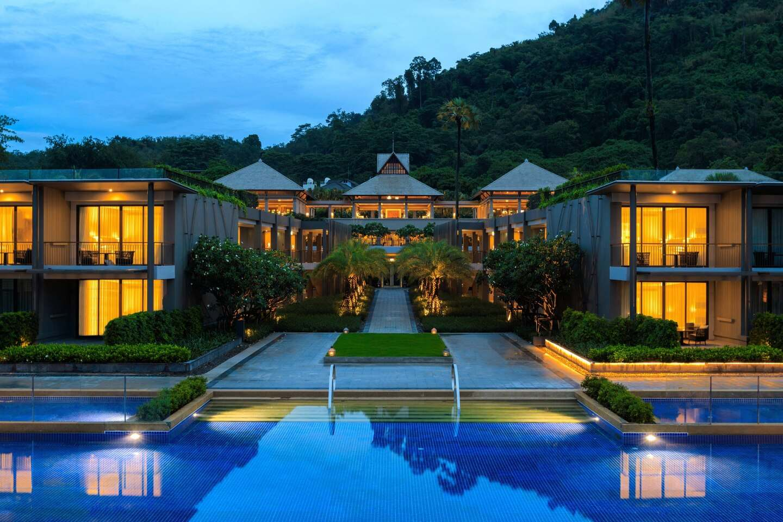 Zwembad van Phuket Marriott Resort and Spa Nai Yang op Phuket, Thailand