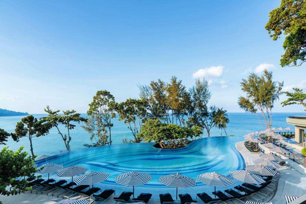Zwembad van het Pullman Phuket Arcadia aan Nai Thon Beach in Phuket, Thailand
