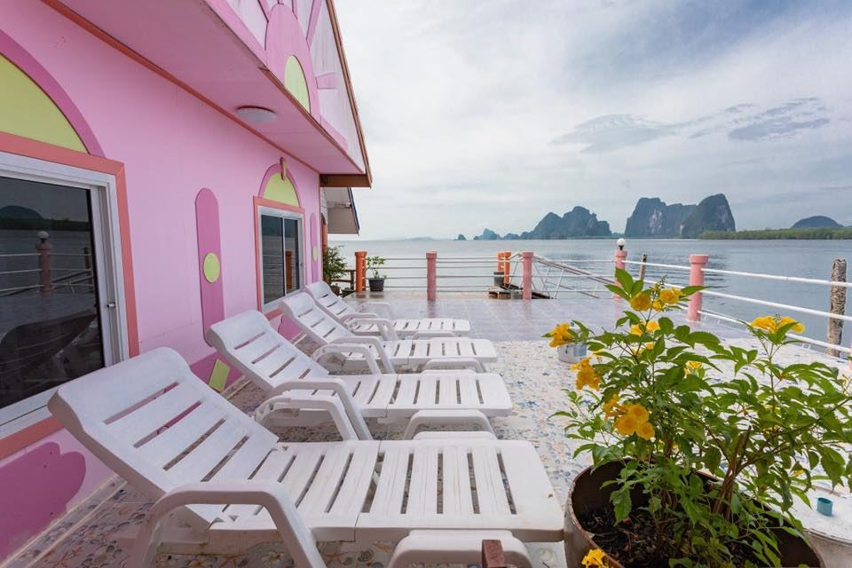 James Bond Bungalow op Koh Panyee in Phang Nga Bay, Thailand