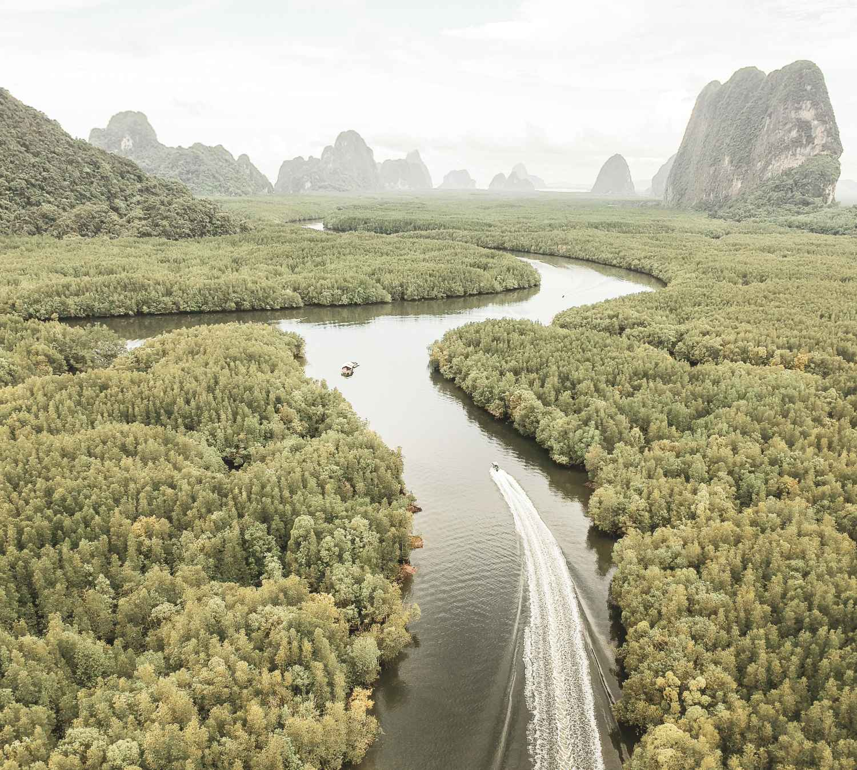 Rivier in de baai van Phang Nga