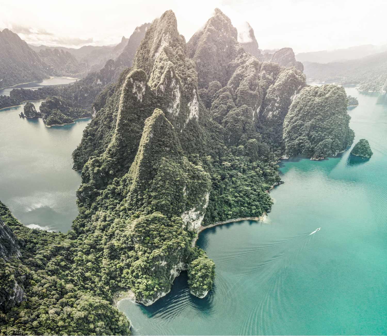 Cheow Lan Lake in het Khao Sok National Park