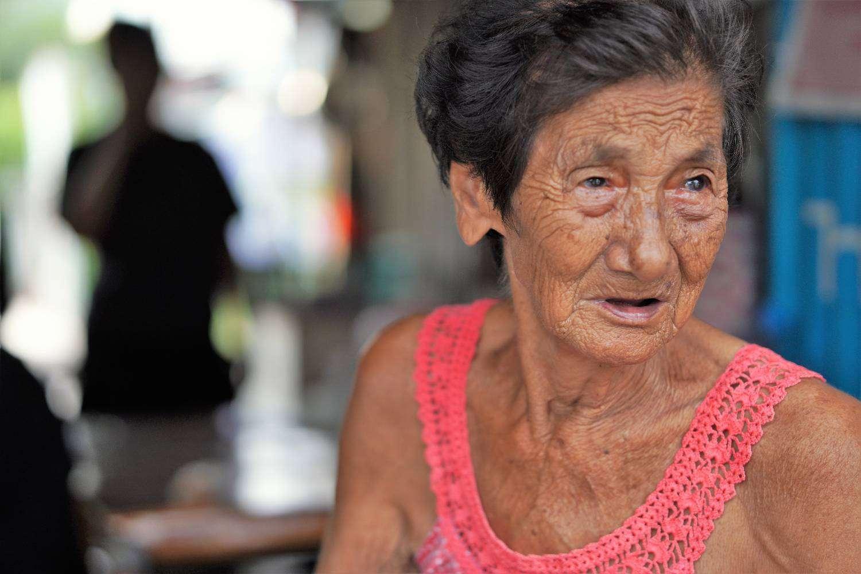 Vrouw in Bang Sue, Bangkok