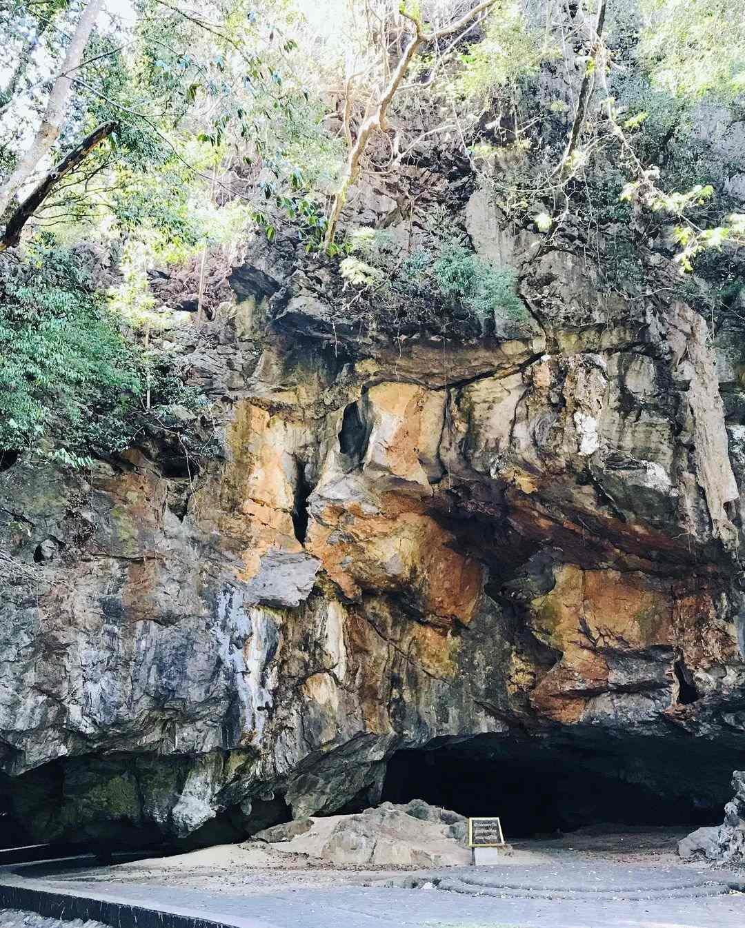 Phung Chang Cave in Phang Nga Town