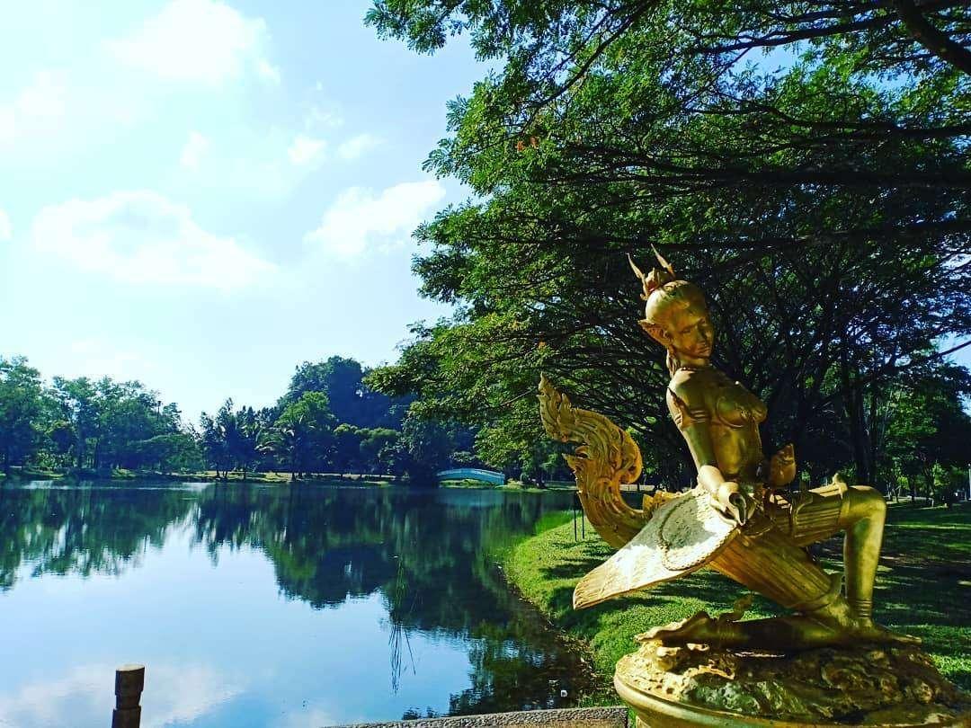 Beeld in het Somdet Phra Srinagarindra Public Park