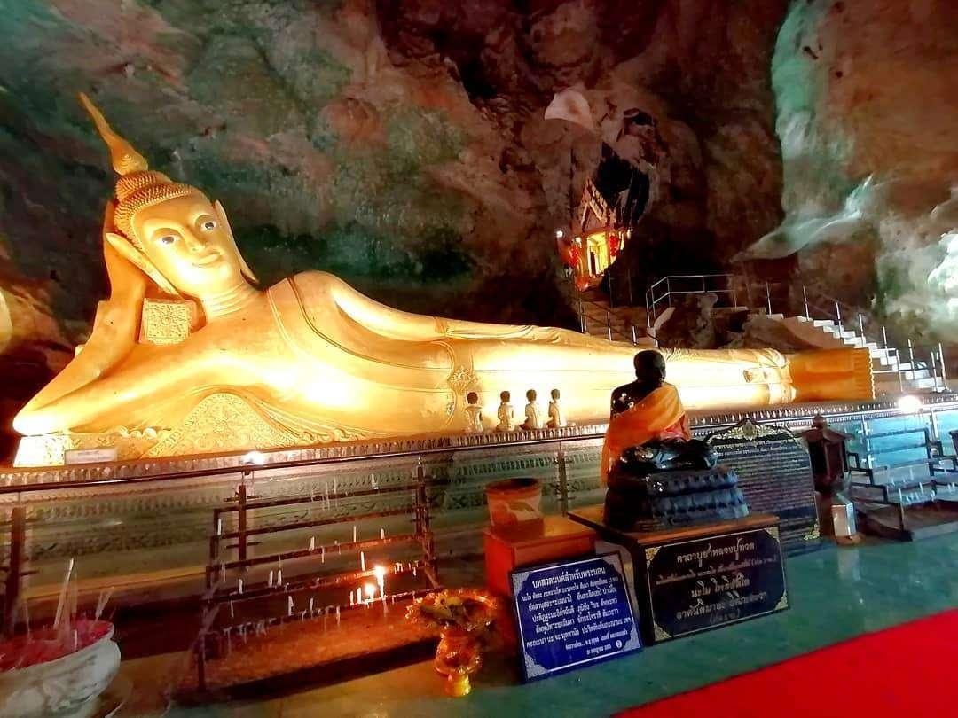 Wat Suwan Khuha in Phang Nga Town