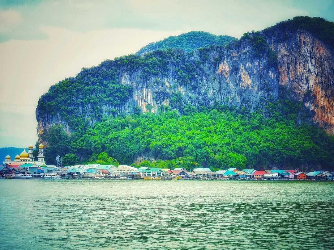 Koh Panyee in de baai van Phang Nga