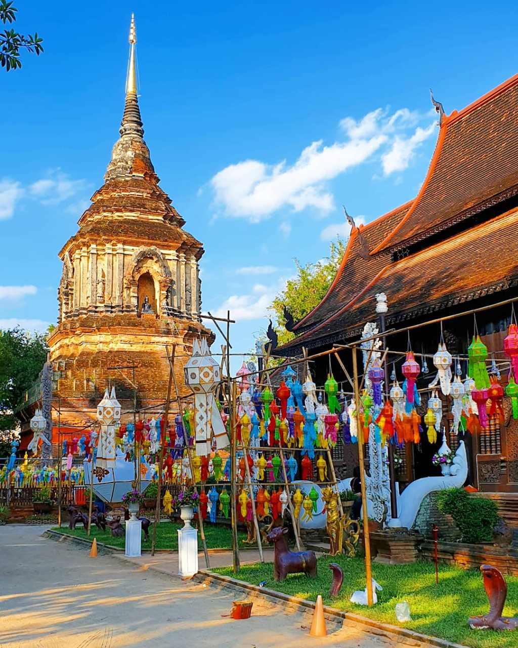 De Wat Lok Moli tijdens Yee Peng Festival in Chiang Mai