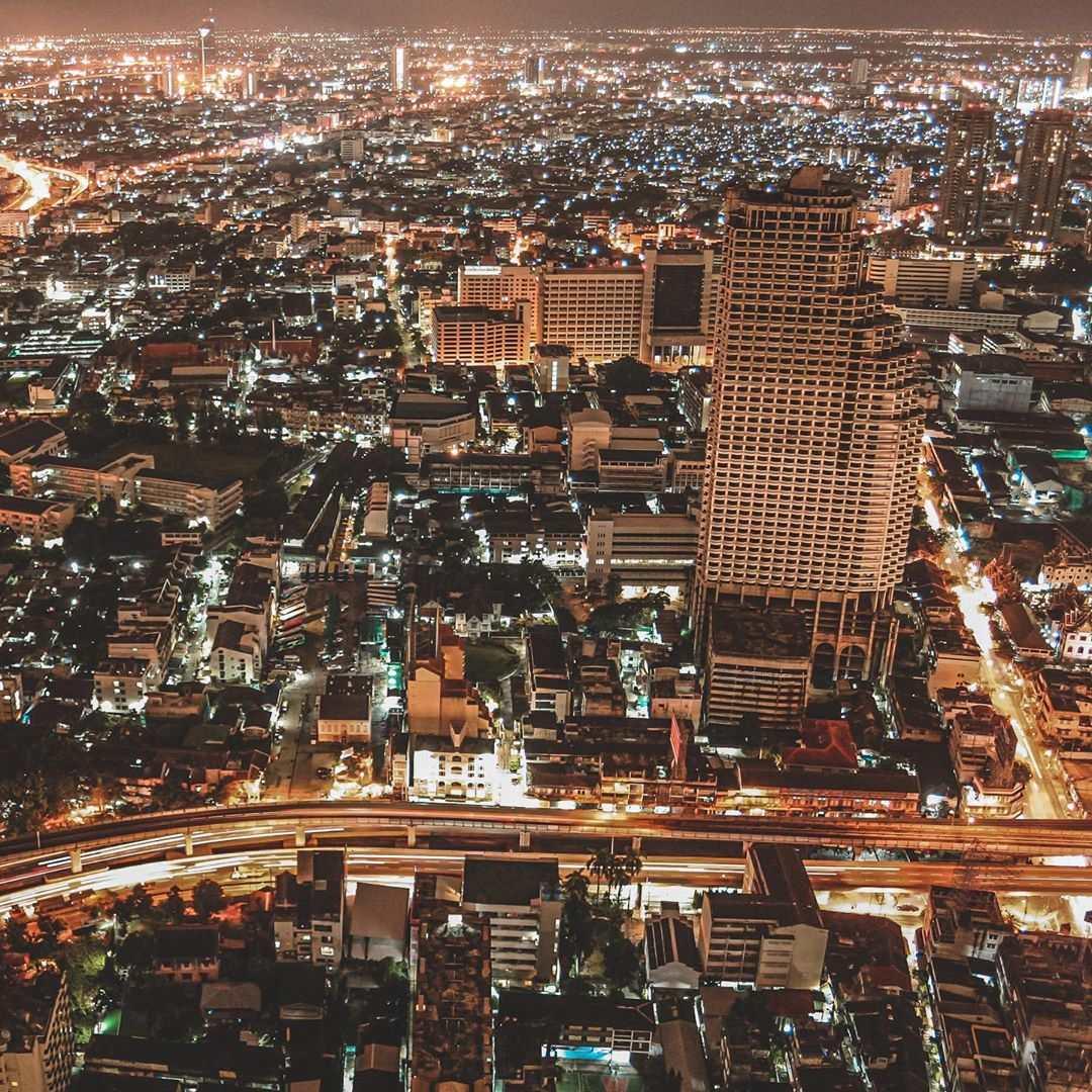 Uitzicht vanaf de Sky Bar van Lebua over Bangkok
