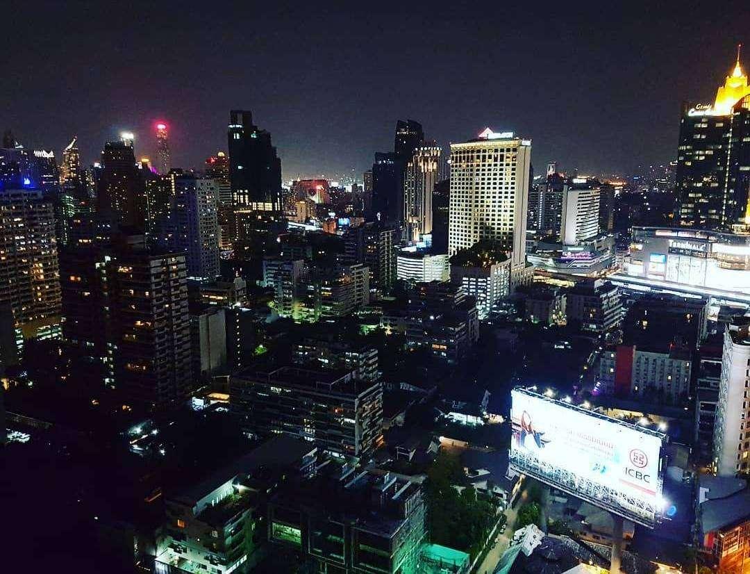Skyline over Bangkok gezien vanaf Long Table