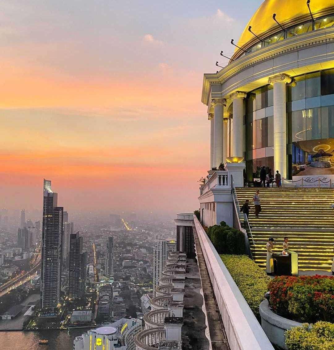 De Dome en uitzicht vanaf Sky Bar @ Lebua in Bangkok