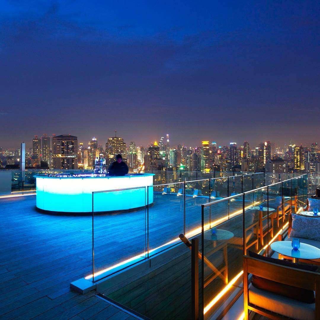 Bar op het dak van Octave Rooftop Bar & Lounge in Bangkok