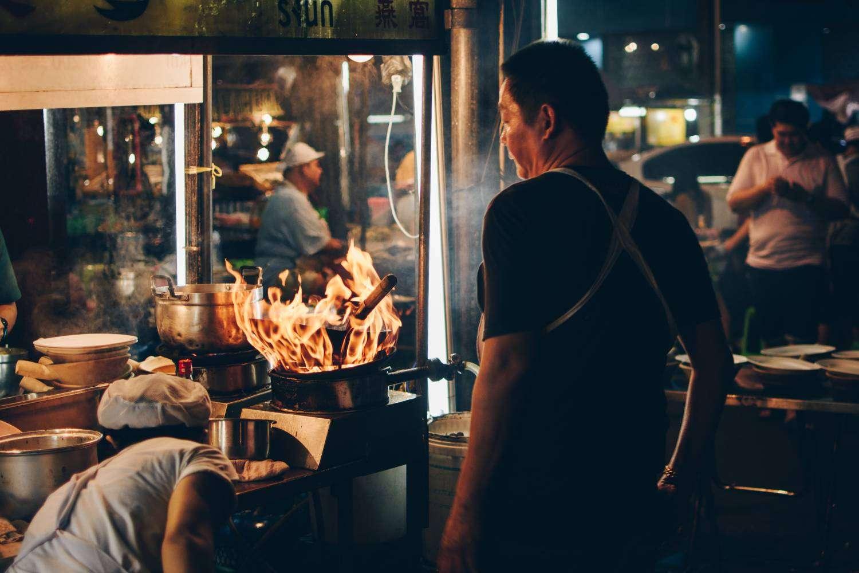 Streetfood verkoper in Chinatown, Bangkok