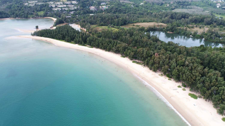 Layan Beach is eigenlijk het noordelijke stuk strand van Bang Tao Beach op Phuket