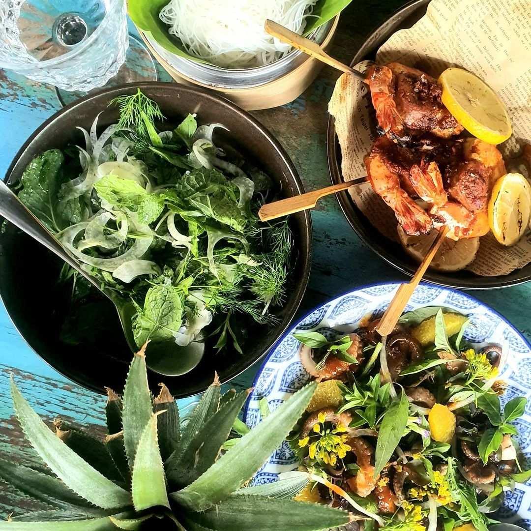 Salades bij Project Artisan in de buurt van Layan Beach op Phuket