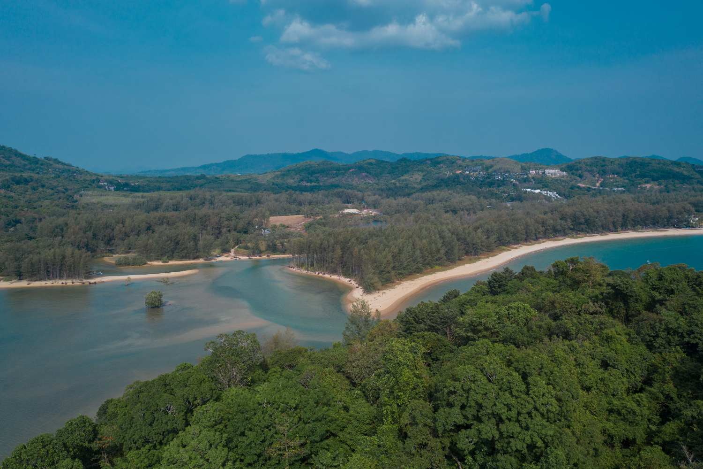 Het noordelijke deel van Layan Beach op Phuket