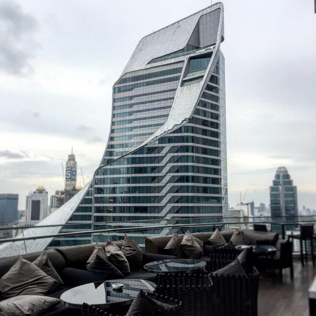 Uitzicht vanaf Up & Above Restaurant and Bar / The Okura Prestige