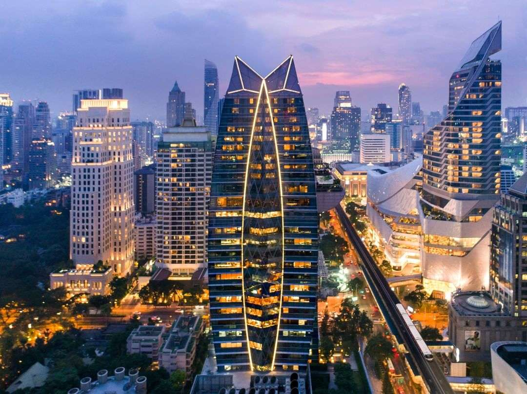 The Okura Prestige in Bangkok waar Up & Above Restaurant and Bar zit