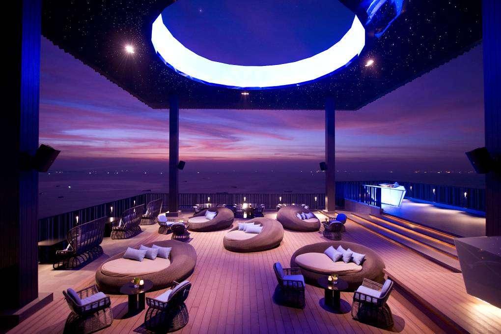 Horizon Hilton Rooftop Bar Pattaya