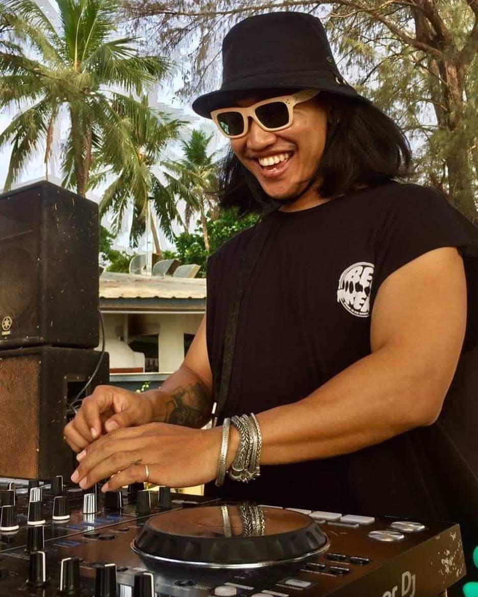 Friendly DJ at Beach Pig on Bang Tao Beach on Phuket