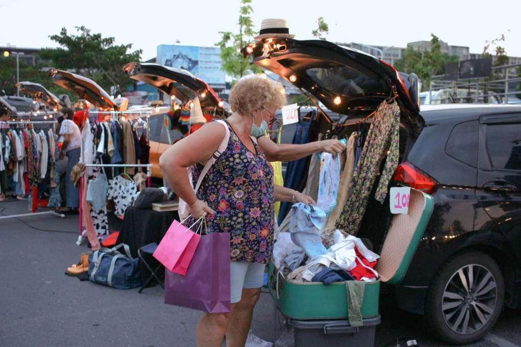 Trunk sales at the Fun Friday Avenue Market on Phuket