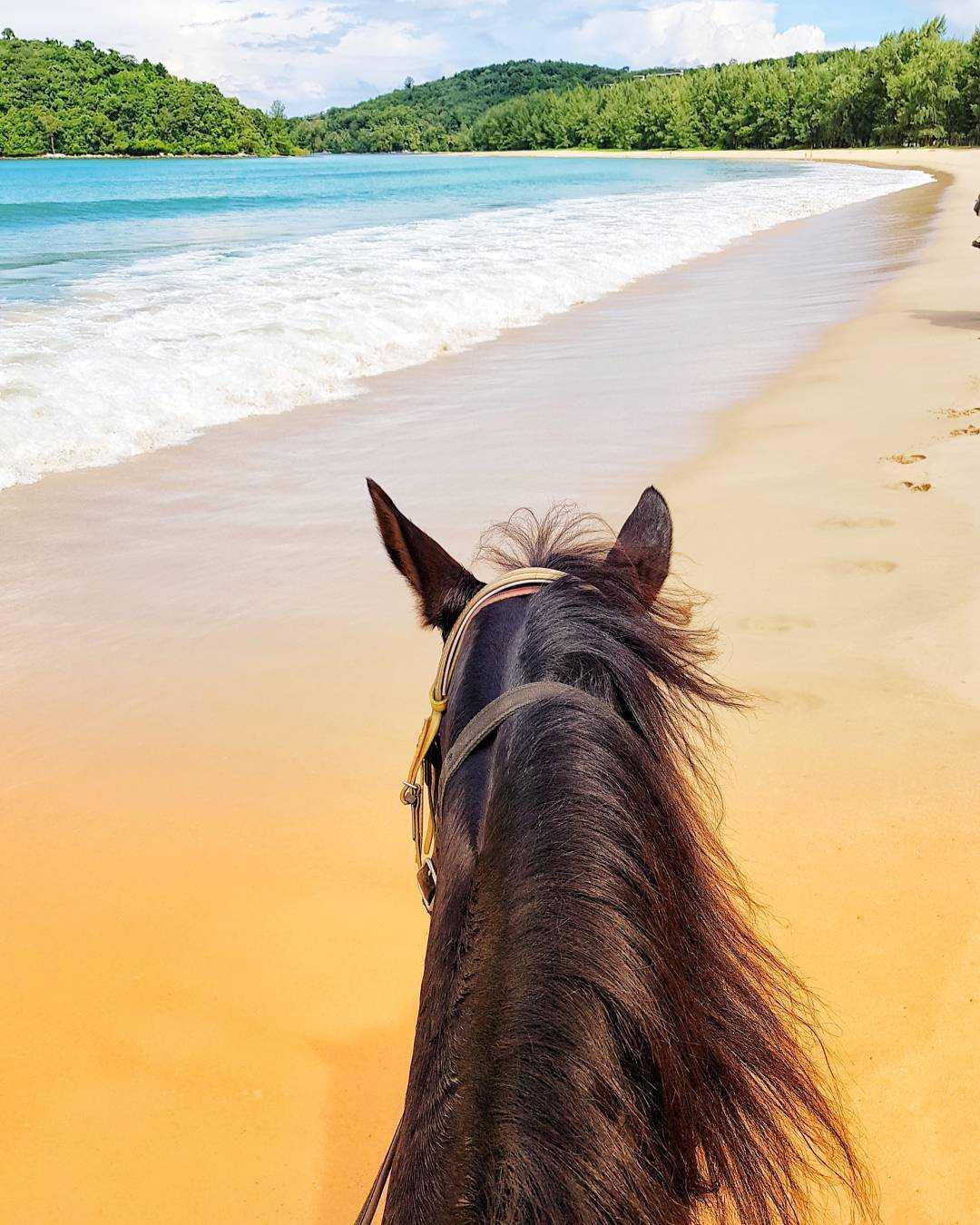 Paardrijden op Layan Beach, Phuket