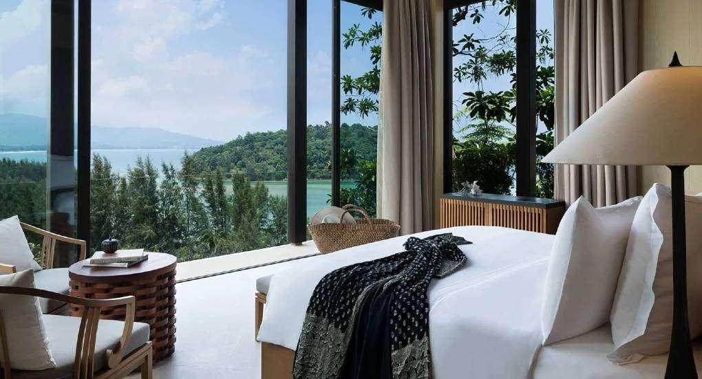 Slaapkamer van een villa van Layana Residences by Anantara op Phuket