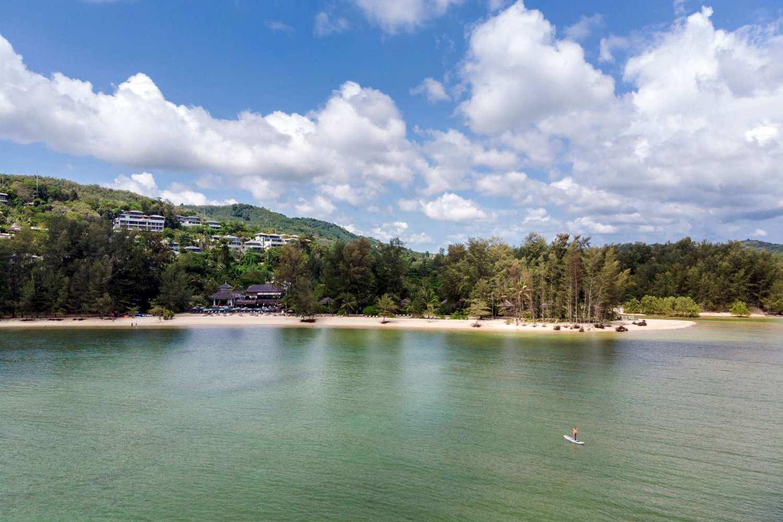 De zee van Layan Beach op Phuket