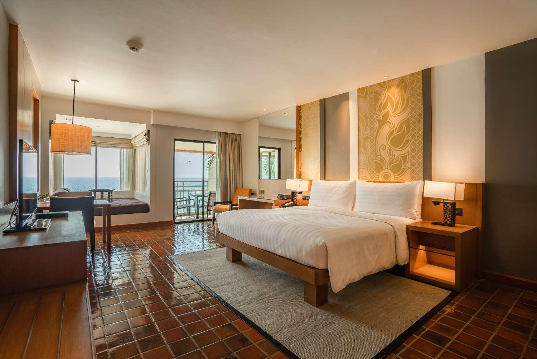 Room of the Saii Laguna Phuket at Bang Tao Beach
