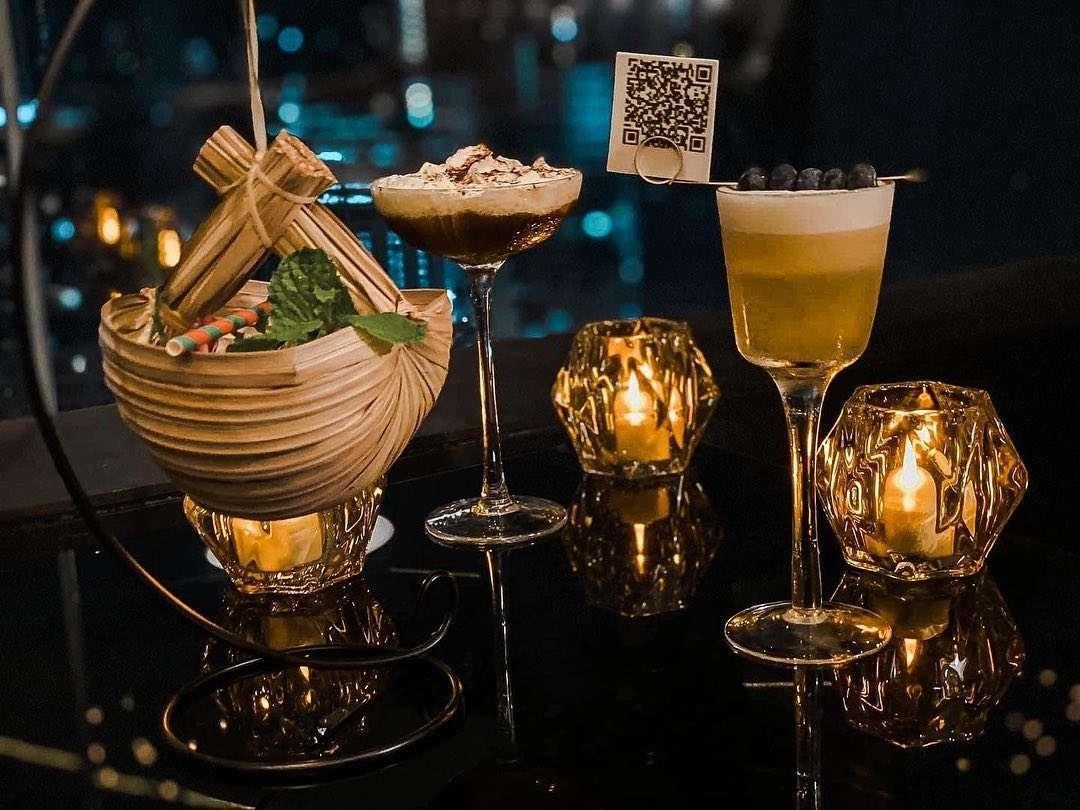 Cocktails bij 1826 Mixology & Rooftop Bar (Rembrandt Hotel & Suites Bangkok)