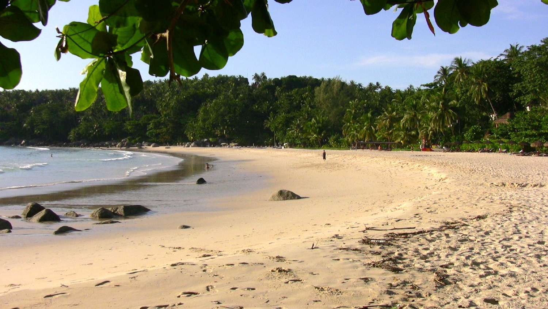 Pansea Beach op Phuket in Thailand
