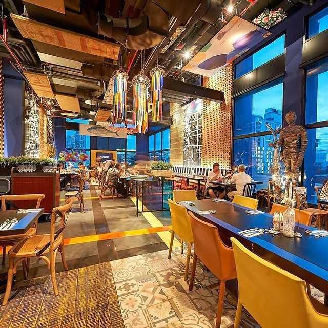 luxe restaurant met mooi uitzicht