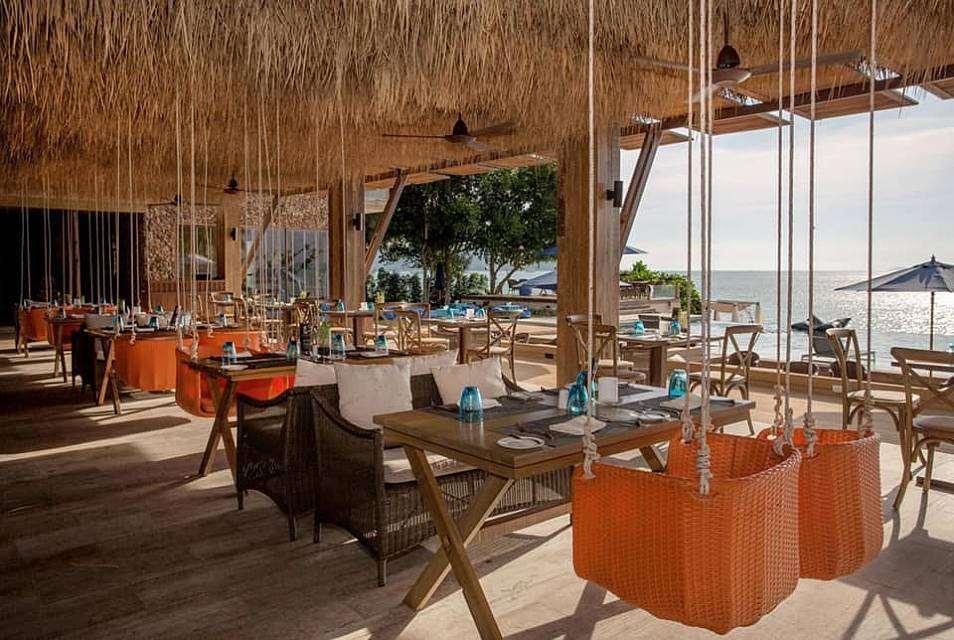 Restaurants met schommels en uitzicht op zee