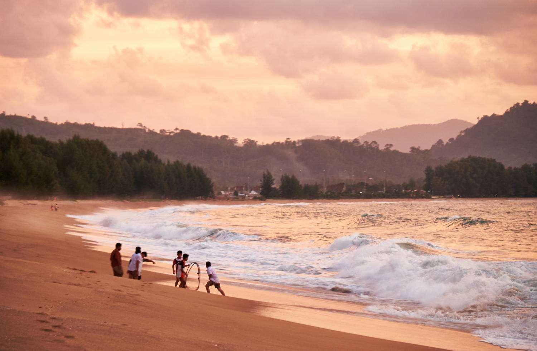 Mai Khao Beach in het noorden van Phuket